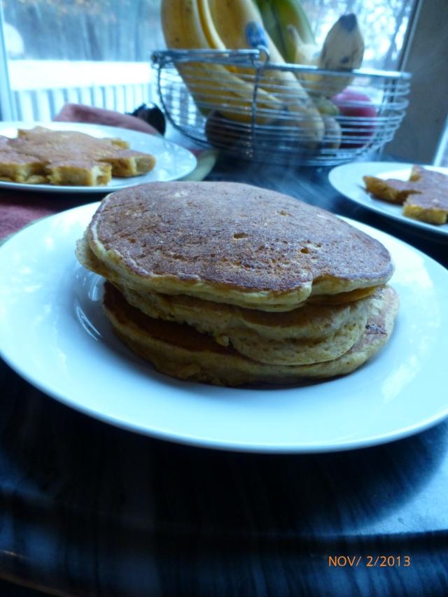 Slimming Pumpkin-Oat Pancakes